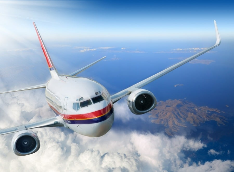 fear of flying hypnosis - jet liner cruising at altitude