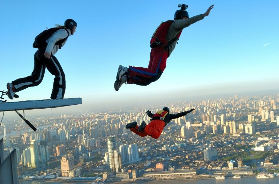 Fear of Gravity Barophobia - base jumping from high building
